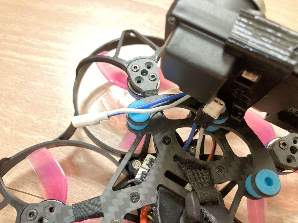 Beta95X V2 Whoop Quadcopterのカメラ電源の取り方について